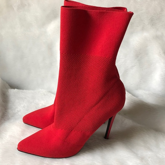 9ad36be219e Steve Madden Century red knit boot. M 5aae44383a112eda39d43ff2